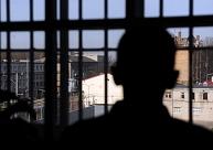 Prokuratūrai nodod krimināllietu par jaunieša slepkavību un līķa dedzināšanu Liepājā
