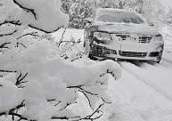 Naktī valsts centrālajā un austrumu daļā vietām spēcīgi snigs