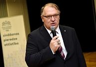Par Rektoru padomes priekšsēdētāju piekto reizi ieceļ Barševski