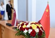 Satiksmes ministrijas pārstāvji Ķīnā pārrunājuši tūrisma un transporta savienojumu attīstības iespējas