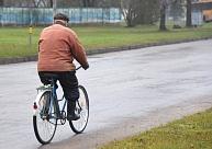 Ceļu satiksmes negadījumos cietuši trīs gājēji un velosipēdisti