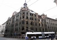 Marijas ielas grausta pārstāvji apgalvo, ka beidzot vienojušies par fasādes atjaunošanu; viņiem sāk uzlikt sodus