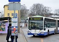Rīgas sabiedriskajā transportā oktobrī pieķerti par 37,7% vairāk bezbiļetnieku nekā mēnesi iepriekš