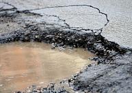 Šajā ziemas sezonā uz autoceļiem salabotas avārijas bedres 3094 kvadrātmetru platībā