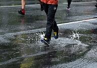 Tuvākajā diennaktī vietām īslaicīgi līs, gaidāmi pirmie karstuma rekordi