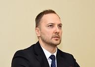 Ministrs solījis nepieciešamības gadījumā lemt par drošības pasākumiem Kuldīgā; pagaidām satraukumam pamata neesot
