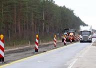 Saistībā ar ceļu remontdarbiem daudzviet Latvijā noteikti satiksmes ierobežojumi