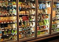 """Uzņēmums """"Dekšņi"""" investējis 150 000 eiro pārtikas veikala """"mini top!"""" renovācijā Tukumā"""
