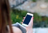 Kāpēc un kā parūpēties par viedtālruņa tīrību? Skaidro speciālists