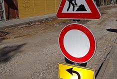 Valmierā noteikti būtiski satiksmes ierobežojumi Kauguru ielā