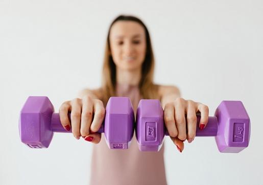 Kā pareizi atsākt aktivitātes pēc grūtniecības? Konsultē speciālisti