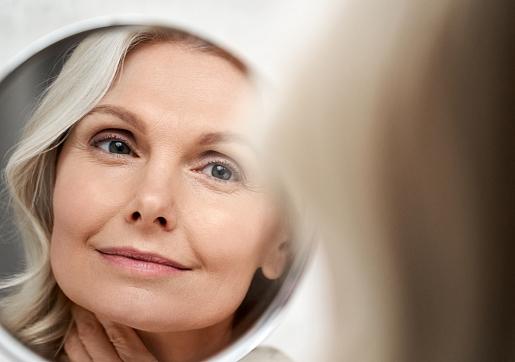 Kā parūpēties par ādu, iestājoties menopauzei? Skaidro dermatoloģe