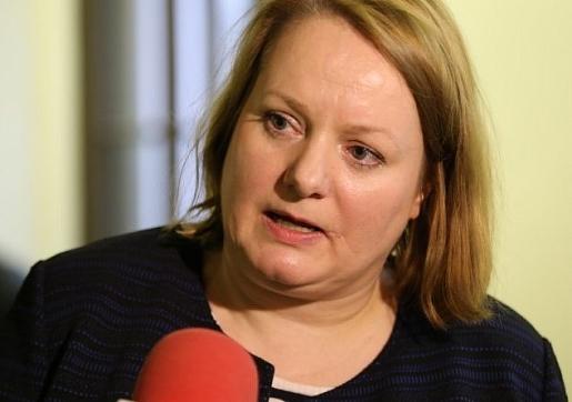 """Valciņa: Ja Latvijā saslimst ar """"nepareizo vēzi"""", izredzes izdzīvot pasliktinās"""