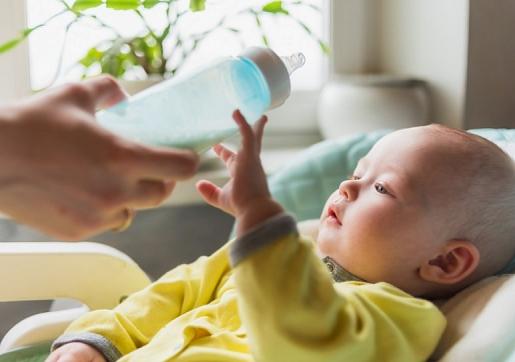 Eļļas zīdaiņu piena maisījumu sastāvā: Kam pievērst uzmanību?