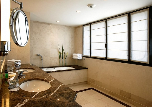 Droša vannas istaba – kā un kādas kontaktligzdas un slēdžus uzstādīt?