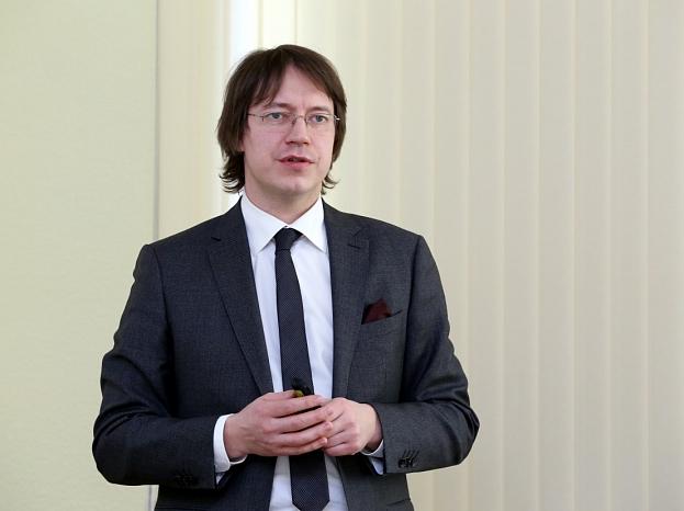 """VAS """"Latvijas pasts"""" valdes priekšsēdētājs Mārcis Vilcāns piedalās preses konferencē, kurā informē par VAS """"Latvijas pasts"""" pagājušā gada rezultātiem un šā gada plāniem."""