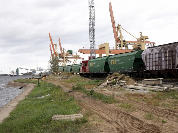 """SIA """"Riga Bulk Terminal"""" beramkravu pārkraušanas termināļa teritorija Kundziņsalā."""