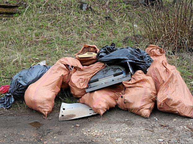 Lielās talkas atkritumi Ogrē.