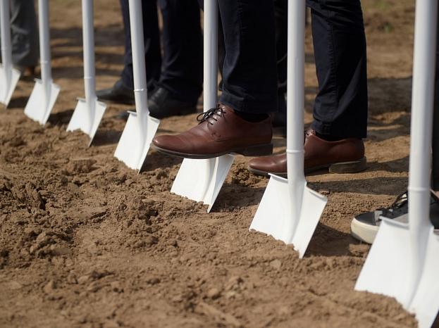 """""""Laimas"""" jaunās ražotnes būvniecības atklāšanas pasākums Ādažos."""