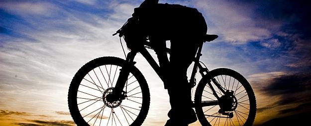 Jelgavā aiztur vīrieti, kurš alkohola reibumā vada velosipēdu