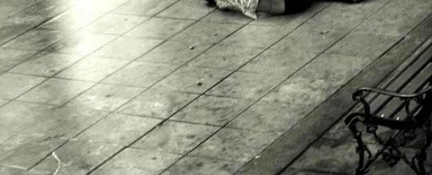 Vidzemes reģionā vīrietisalkohola reibumā gulējis uz zemes