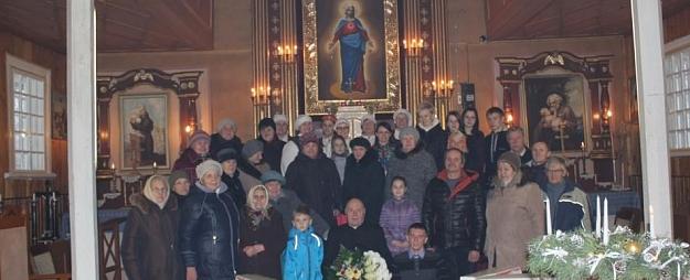Dukstigala baznīcā izskanējis Adventes koncets