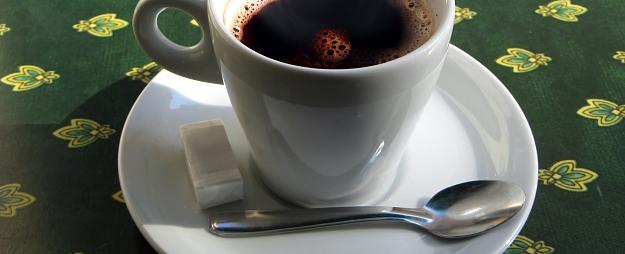 Bērns Zemgalē applaucējas ar karstu kafiju