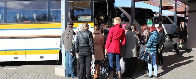 Arvien vairāk izmanto ekspresautobusu maršrutā Valmiera – Rīga – Valmiera