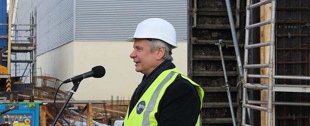 Izglītības un zinātnes ministrs Kārlis Šadurskis tiekas ar Valmieras izglītības iestāžu direktoriem un pilsētas vadību
