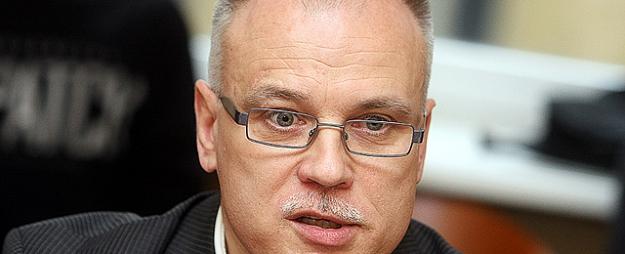 Keris: Jāpārtrauc Latvijas noasiņošana
