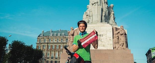 Ar stāstījumu par velo ceļojumu apkārt Latvijai Valmieras TIC uzsākts jauno ceļotāju stāstu sezonu