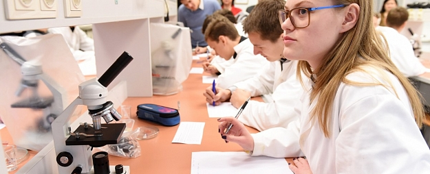 Pētījums: Skolu tīkls Latvijā ir jāoptimizē; ietaupītie līdzekļi jāiegulda izglītības procesa pilnveidē