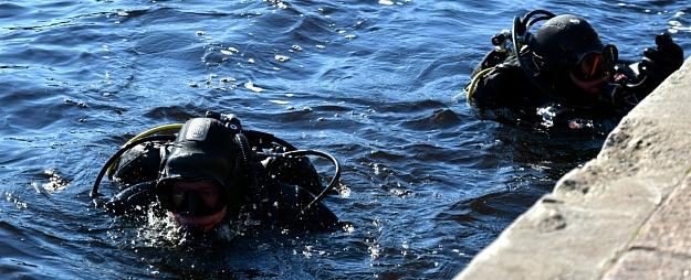Policija nozīmējusi ekspertīzes abiem Slokas karjerā atrastajiem zemledus nirējiem