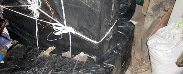 Daugavpils novadā pie trīs kontrabandistiem atrod 120000 kontrabandas cigarešu