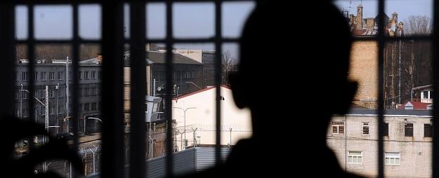 Krimināllietā par dubultslepkavību Rēzeknē un nāves draudu izteikšanu apsūdzētajam pieprasa 20 gadu cietumsodu