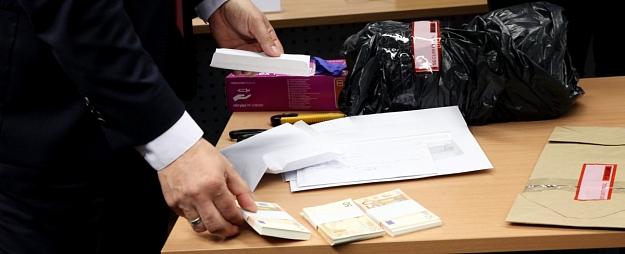 Apturēts PVN izkrāpēju un noziedzīgi iegūtu līdzekļu legalizētāju grupējums; valsts budžetam nodarīti 1,7 miljonu eiro zaudējumi