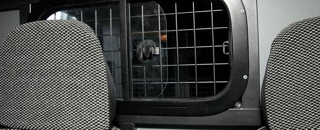 Daugavpilī par mēģinājumu uzbrukt garāmgājējiem aizturēts iereibis vīrietis
