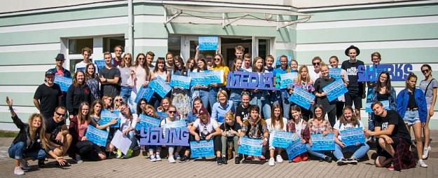 """Sākusies pieteikšanās starptautiskajai mediju nometnei """"Young Media Sharks 2018"""""""