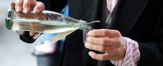 Aglonas novadā likvidē nelikumīgu alkohola ražotni, kas apgādāja