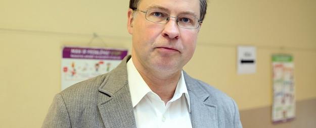 Dombrovskis pēc ievēlēšanas EP noliks Eiropas Komisijas viceprezidenta pilnvaras