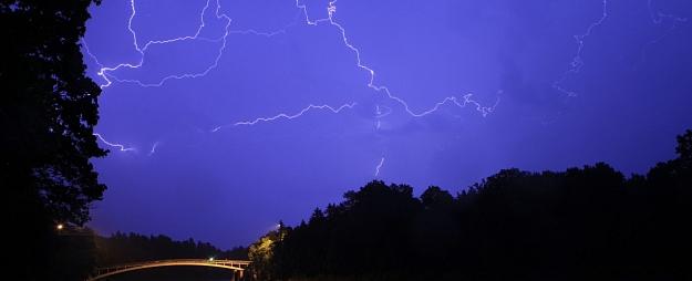 Pērkona negaiss otrdien visvairāk iespējams Vidzemē un Latgalē