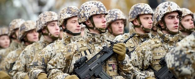 Iekšlietu un aizsardzības ministri plāno apspriest jautājumu par armijas iespējamo iesaisti robežas sargāšanā
