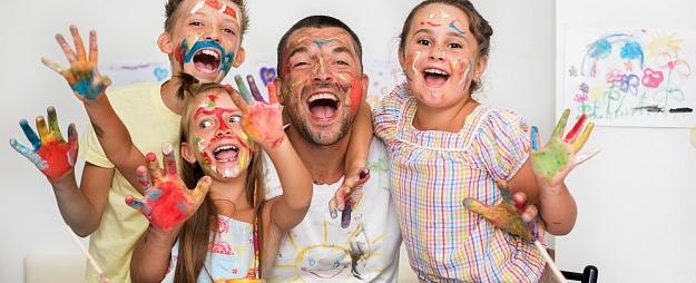 5 hobiji visai ģimenei laikā, kad jābūt mājās