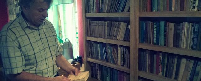 """Alda Pušpura pārziņā """"Vēršukalnā"""" top unikāla bibliotēka"""