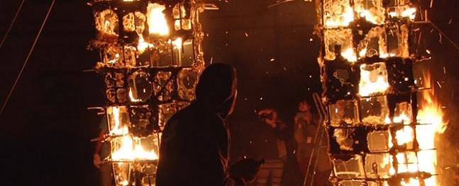 Keramikas simpozijs Daugavpilī noslēdzās ar uguns skulptūru