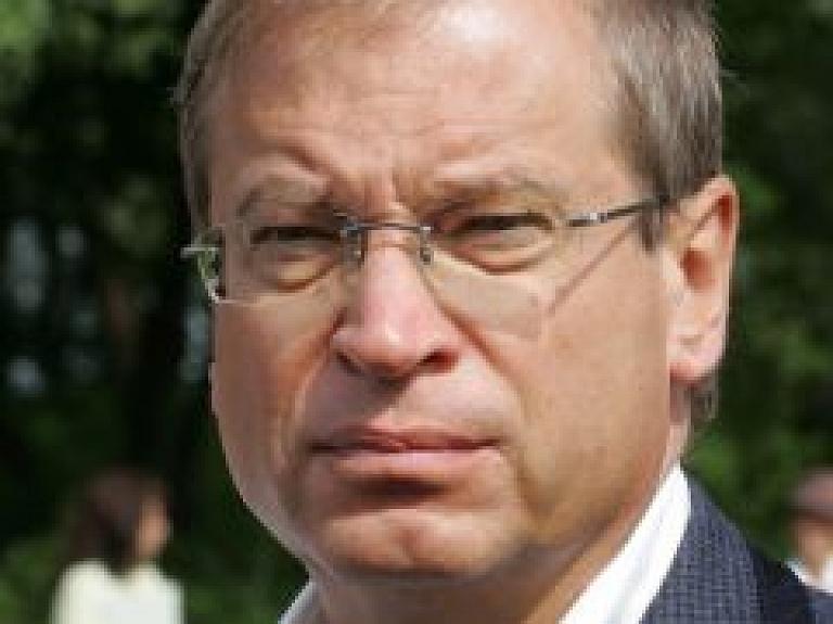 Ameriks tiksies ar Starptautiskās Samariešu organizācijas vadību