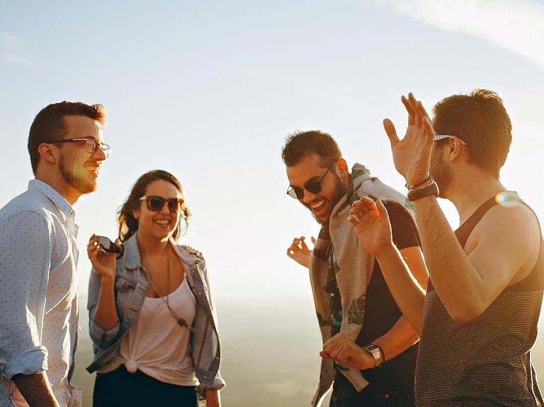 8 idejas aktīvai atpūtai rudenī kopā ar draugiem