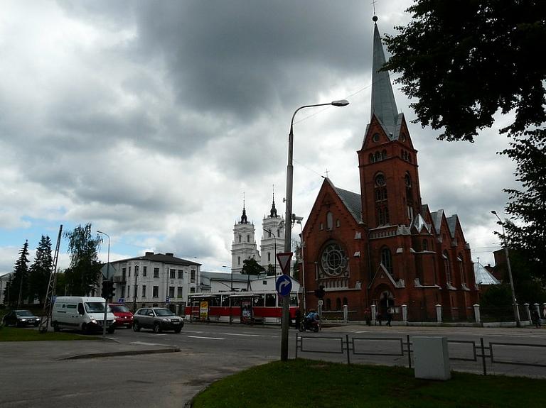 Četru Latgales galveno konfesiju dievnami vienkopus – Baznīcu kalns Daugavpilī