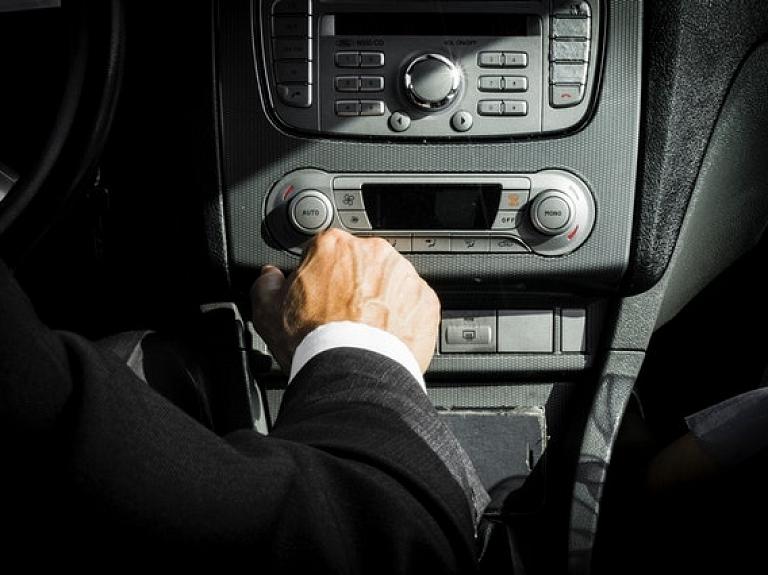 Ko izvēlēties uzņēmējam – auto kredītu vai auto līzingu