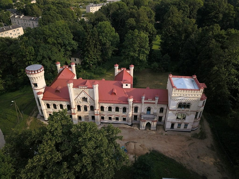 Preiļu muižas komplekss un tā parks – viens no ievērojamākajiem Latvijas lauku parkiem
